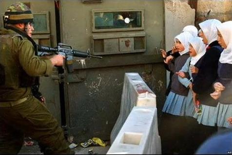 [تصویر:  israeli_soldiers_vs_palgirl-34.jpg]