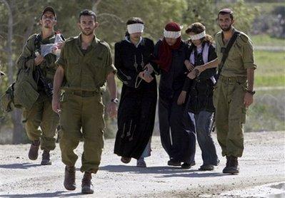 [تصویر:  israeli_soldiers_vs_palgirl-37.jpg]