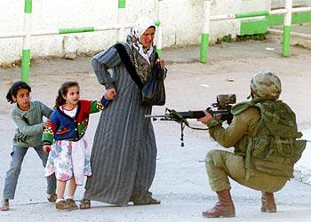 [تصویر:  israeli_soldiers_vs_palgirl-46.jpg]
