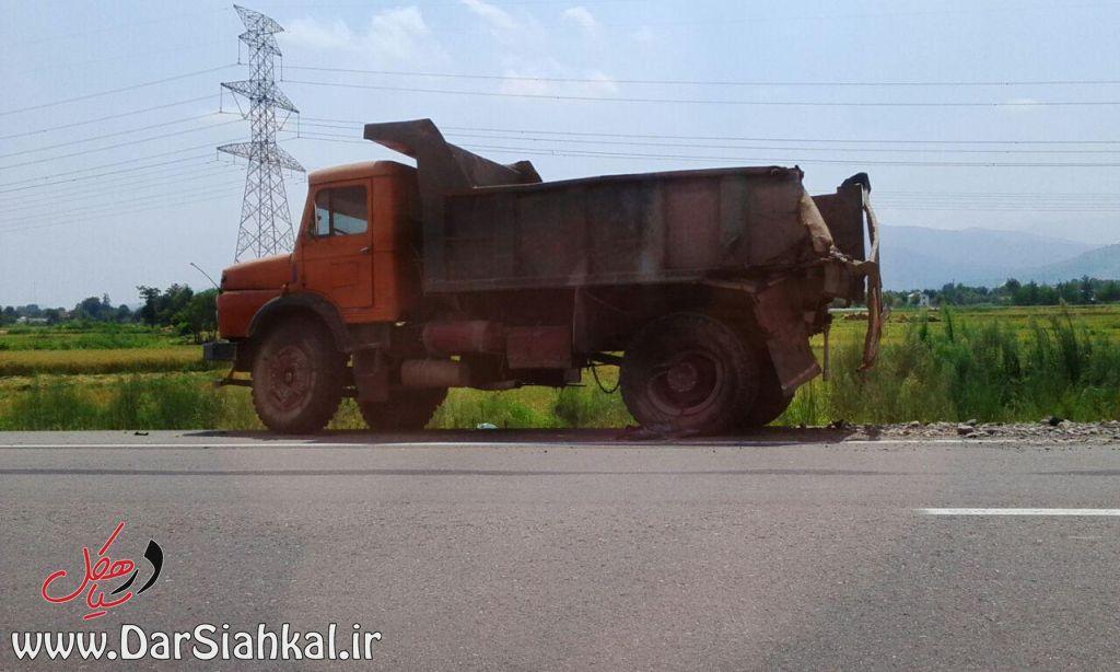 تصادف کامیون (۱)