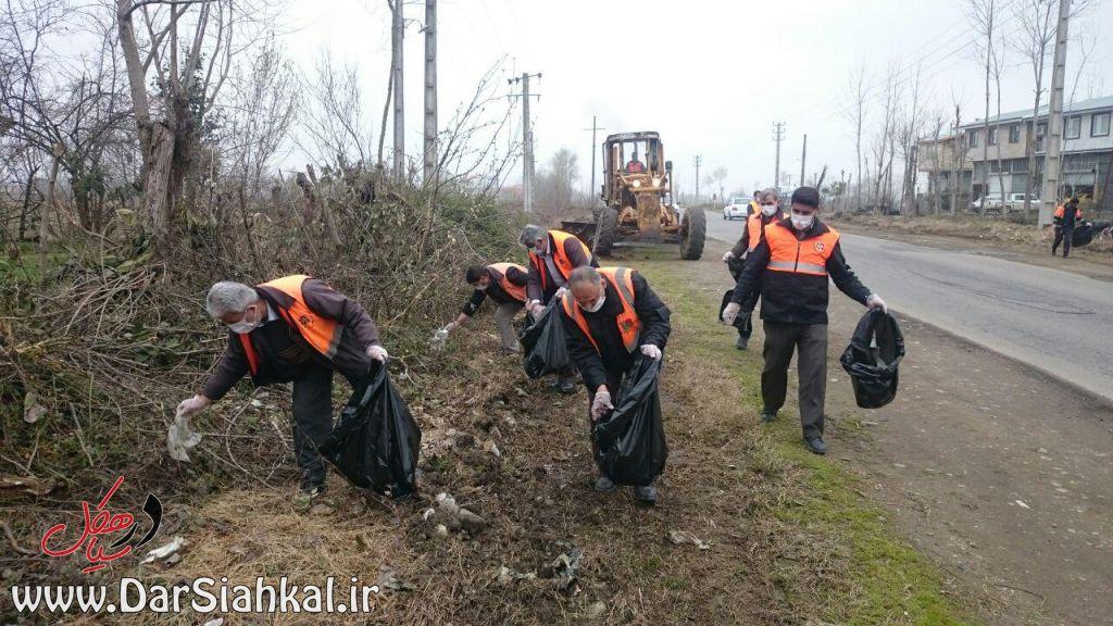 جمع آوری زباله راهداری سیاهکل (۱)